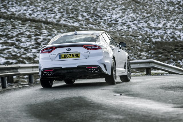 2019_kia_stinger_gt-line_uk_model_012.jpg
