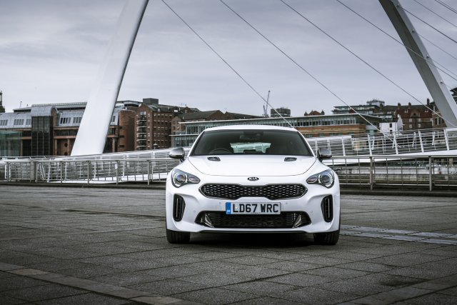 2019_kia_stinger_gt-line_uk_model_004.jpg