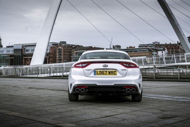 2019_kia_stinger_gt-line_uk_model_005.jpg